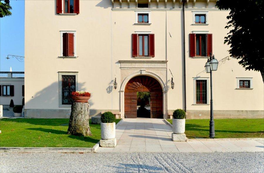Castello belvedere bocchio solutions for Bocchio serramenti